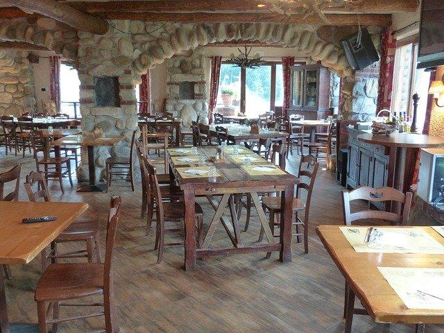 prázdná restaurace.jpg