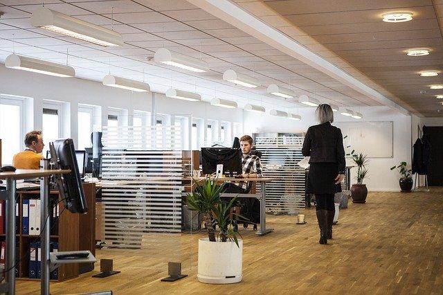 dlouhá kancelář