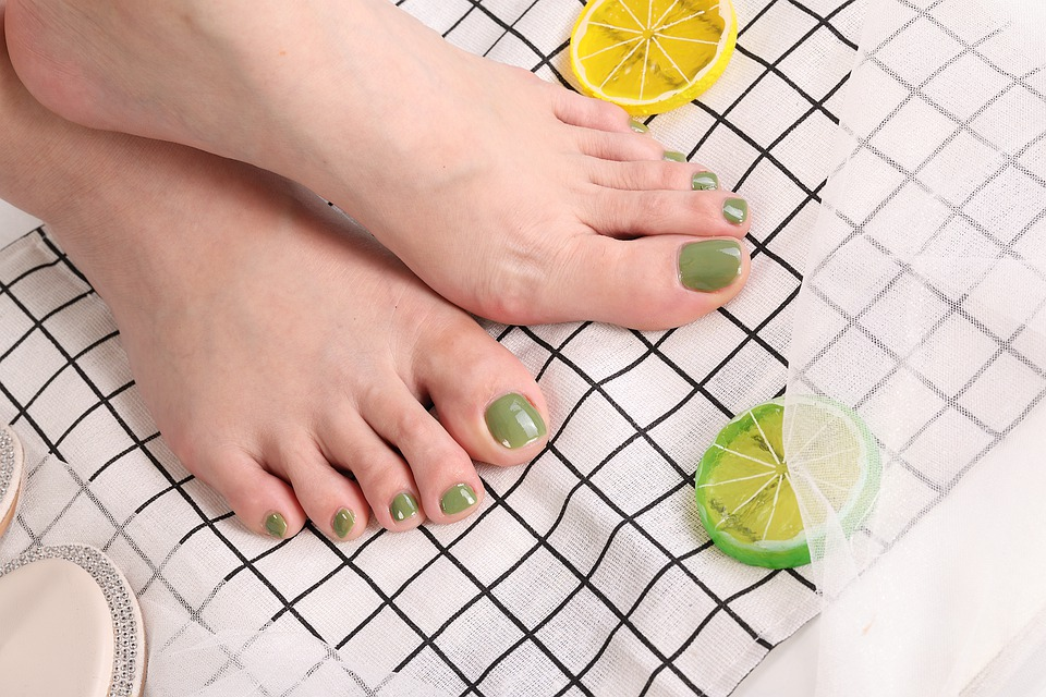 nohy s citronem